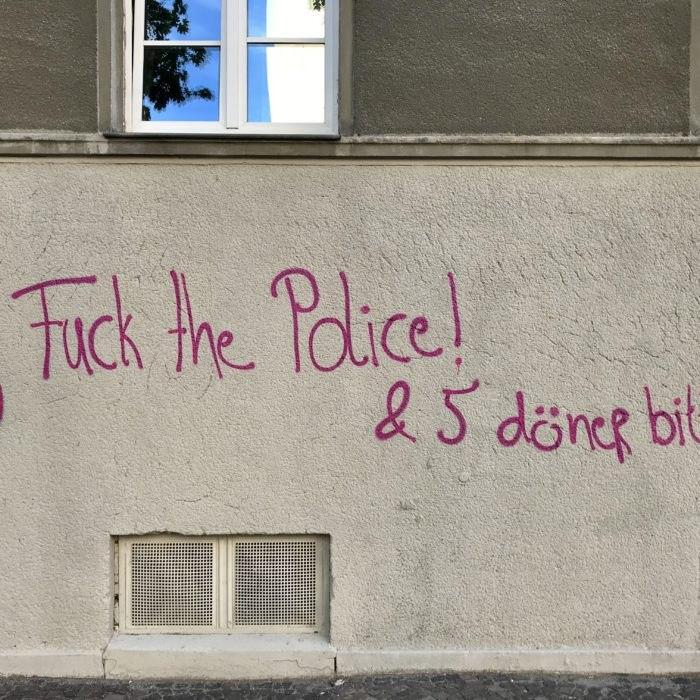 Fuck the Police! & 5 Döner bitte.