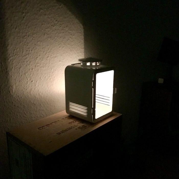 Licht im Dunkel, zu Hause