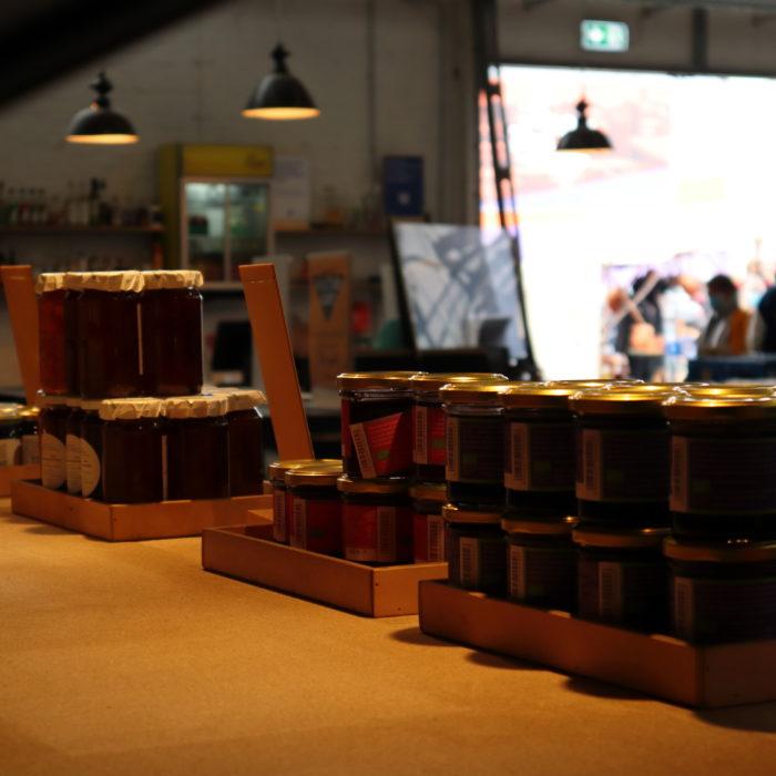 Blick durchs Regal - Samstagsmarkt